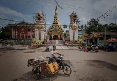 Bago – Goldene Tempel in der südlichen Provinz von Myanmar