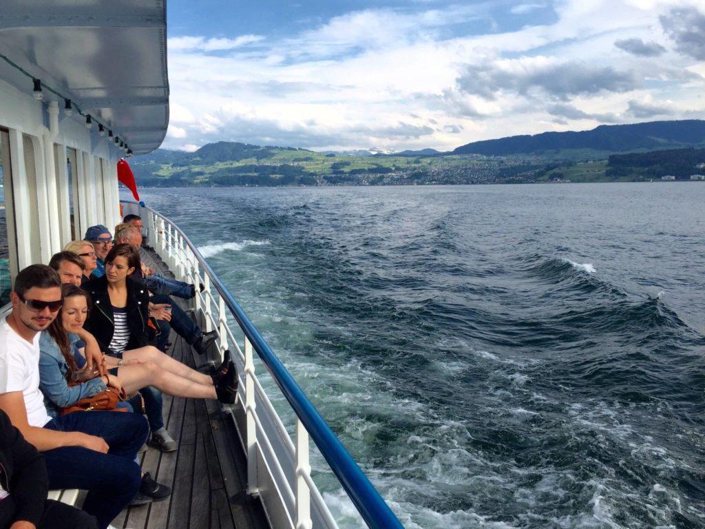 Schiffahrt auf Zürichsee geniessen