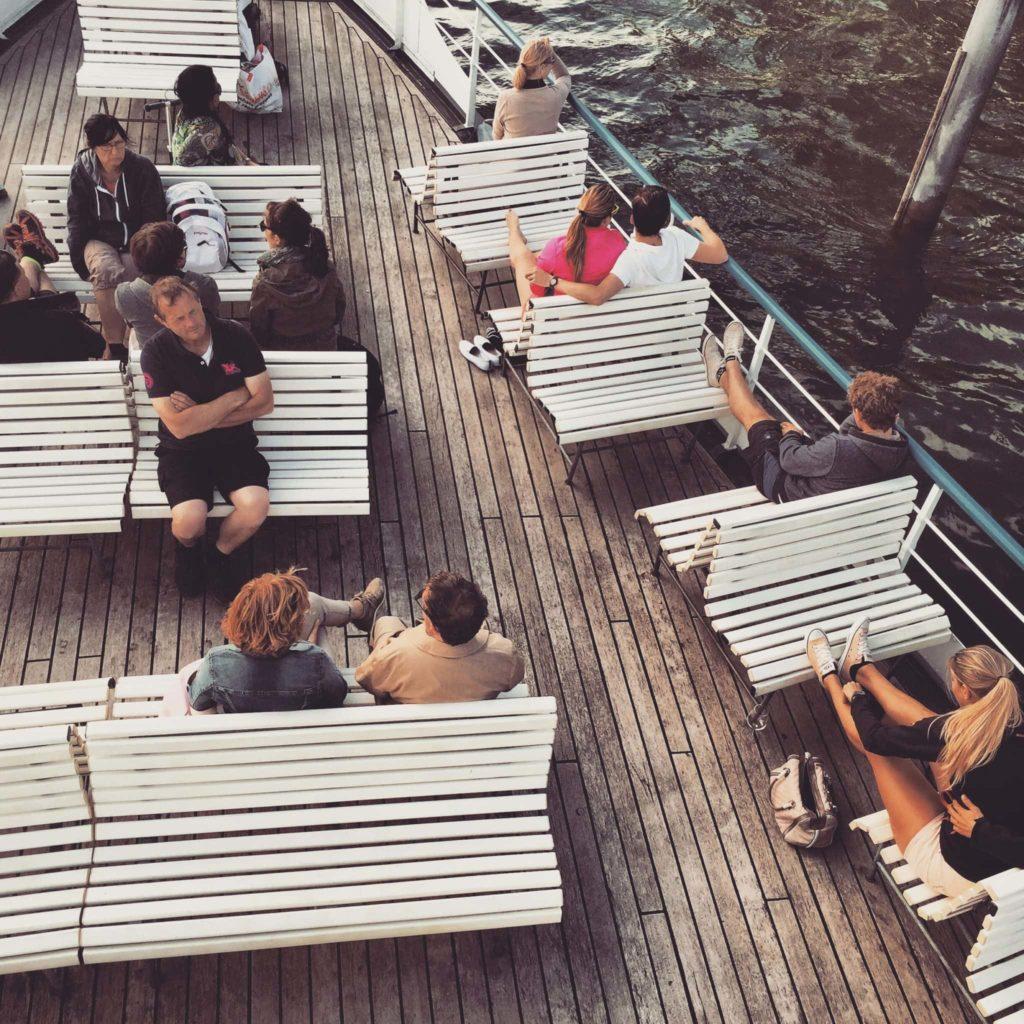 Zweite Klasse auf der Tageskreuzfahrt Zürichsee