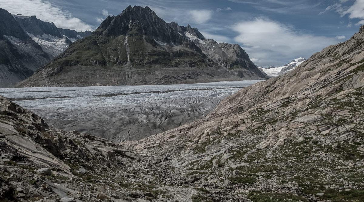 Am Fuss des Aletschgletschers