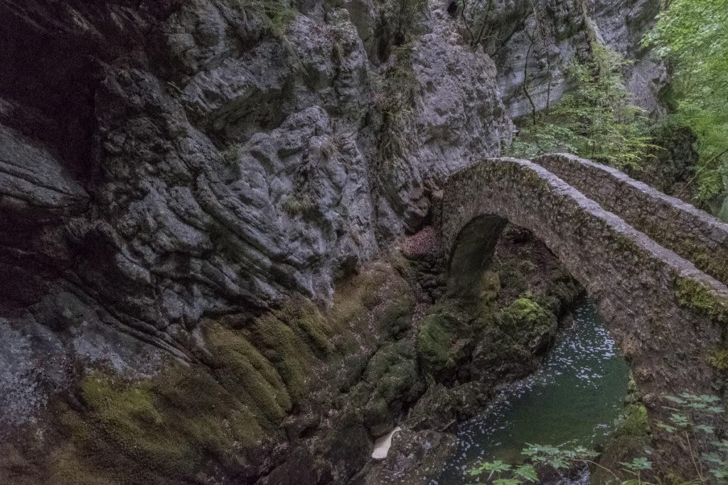 Steinbrücke Areuse
