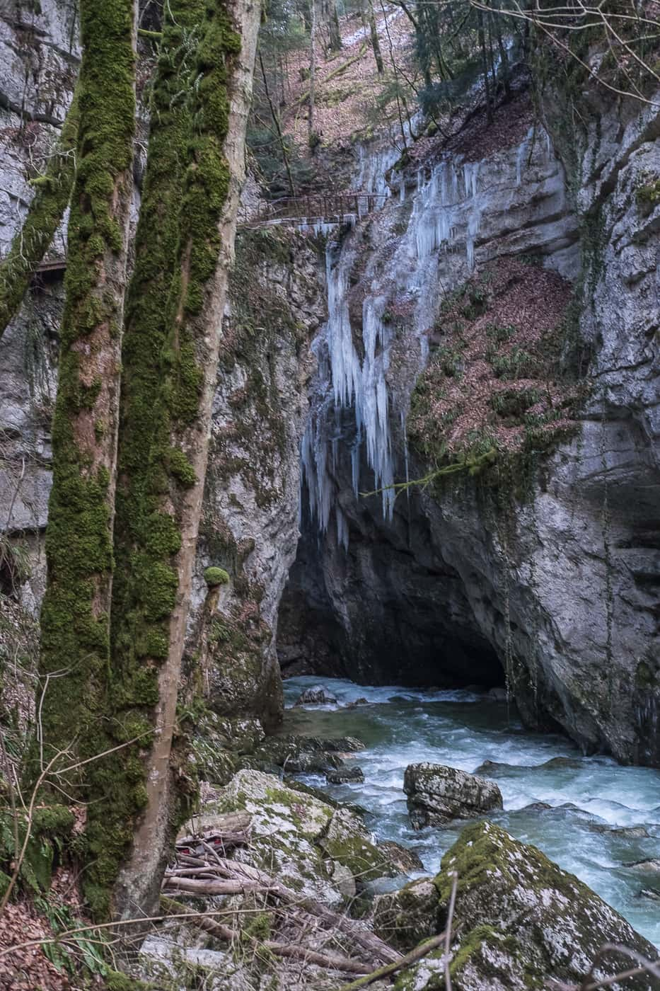 Gorges de l'Areuse im Winter