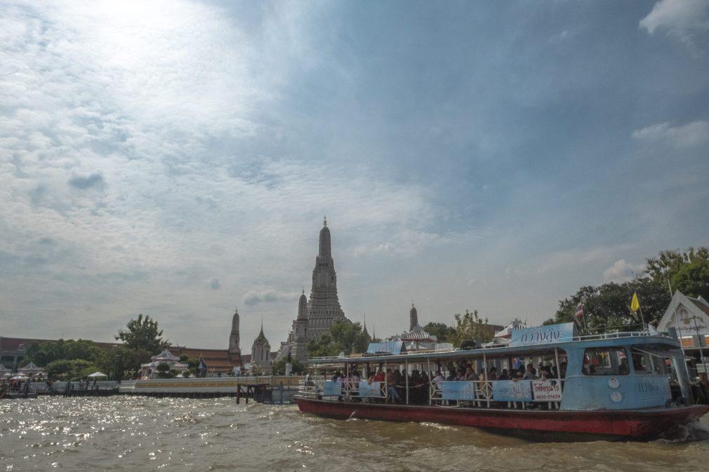 Fähre zum Wat Arun