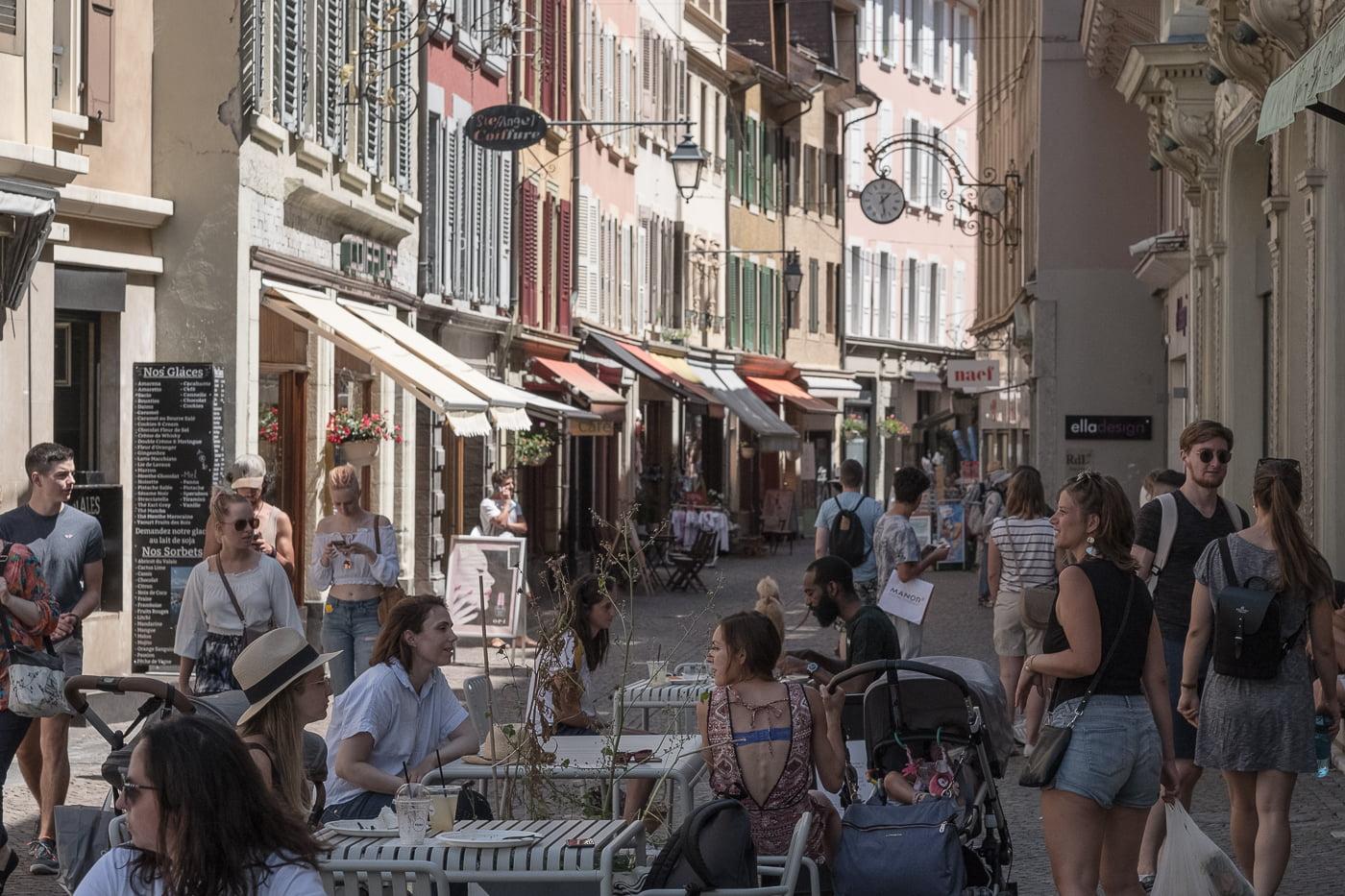 Belebte Altstadt Vevey