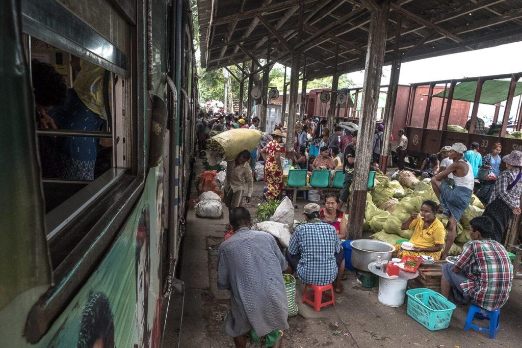 danyiong-markt-bahnhof