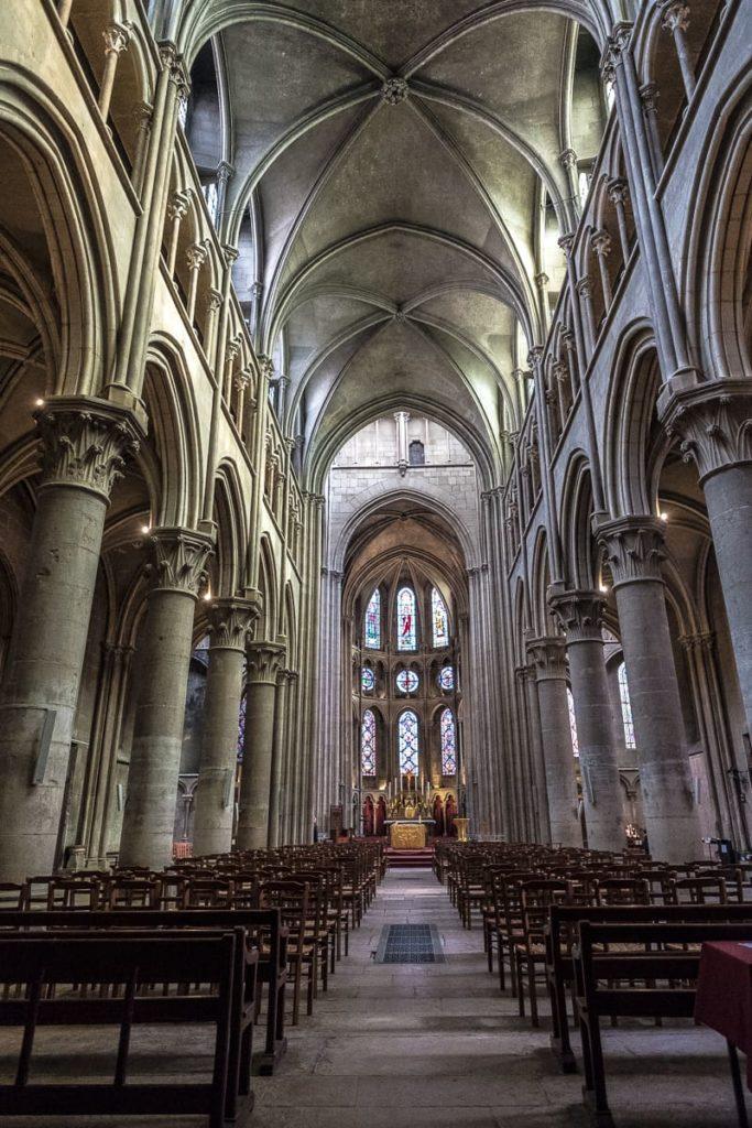 das innern der kirche notre-dame