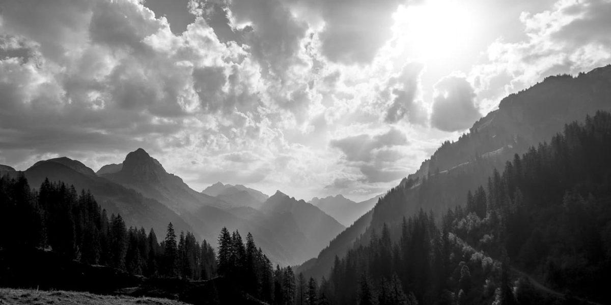 Berglandschaft schwarzweiss