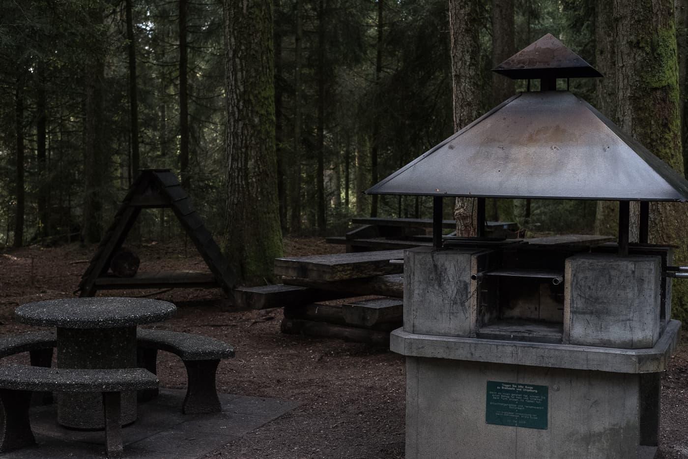 Feuerstelle Chuderhüsi Aussichtsturm