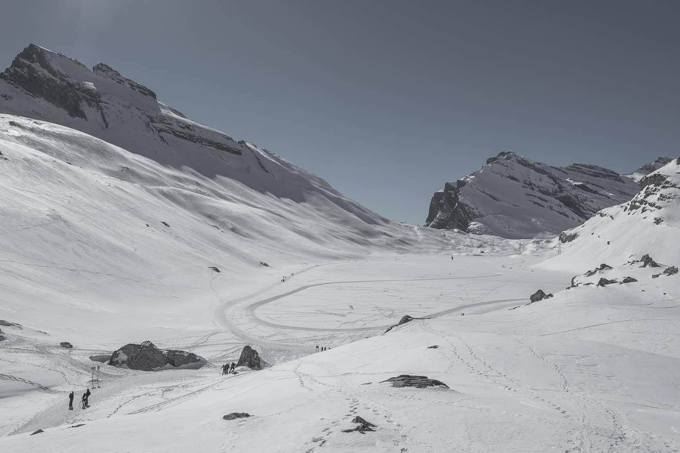 Gemmipass und Daubensee als Winterlandschaft