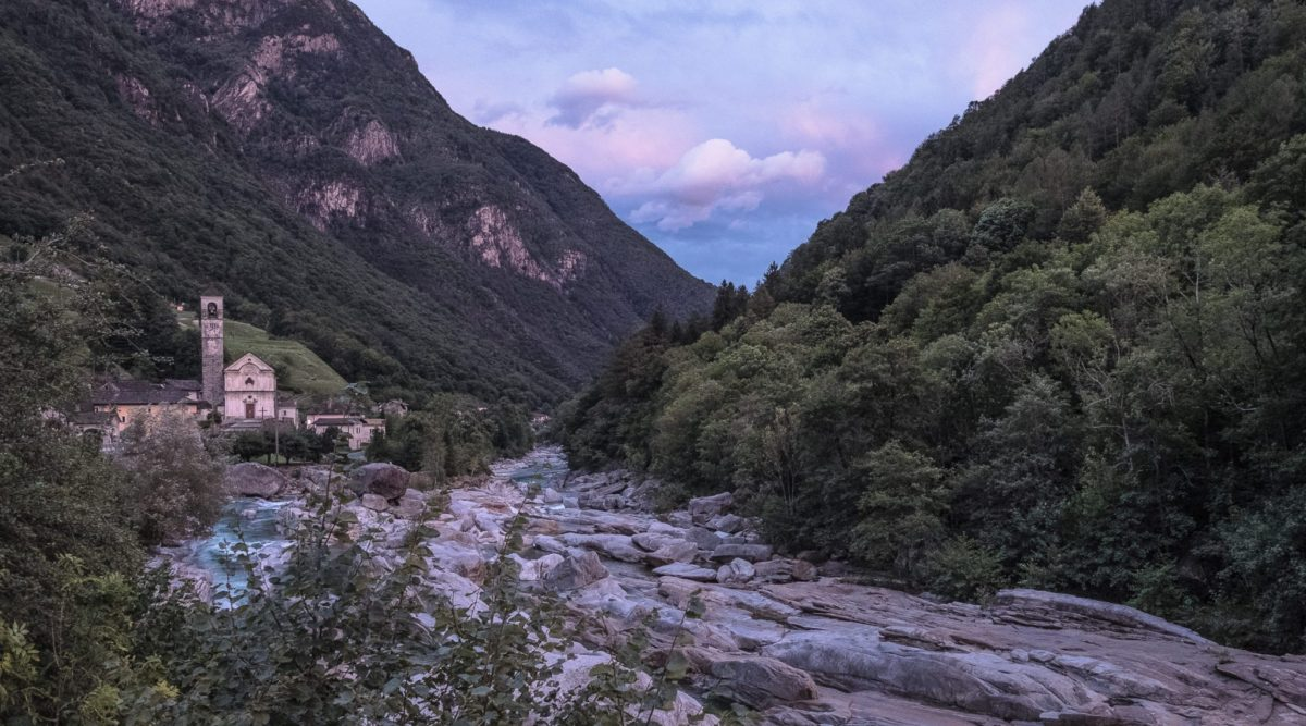 Aussicht über Lavertezzo im Verzascatal, Tessin