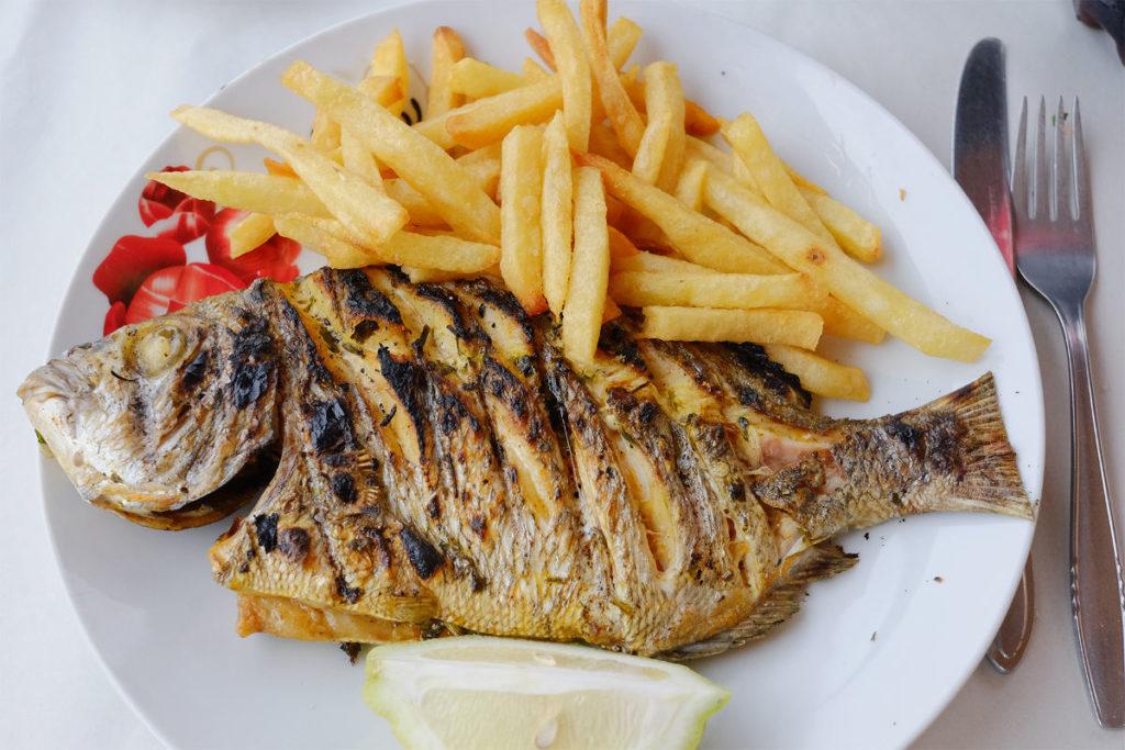 Mittagessen in Legzira