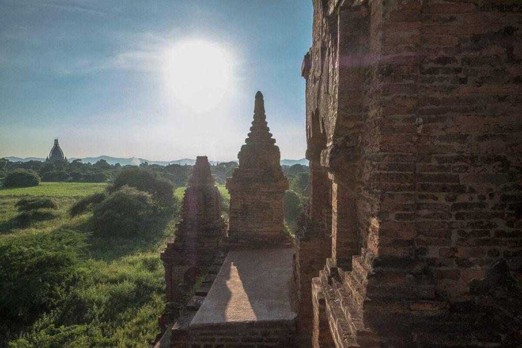 pagode-besteigen-bagan