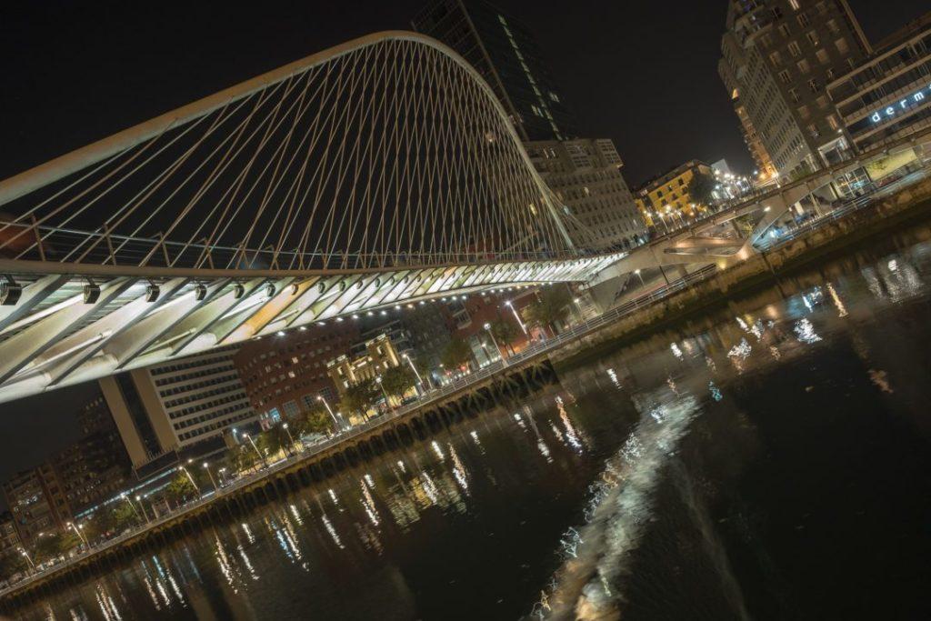 Brücke Zubizuri