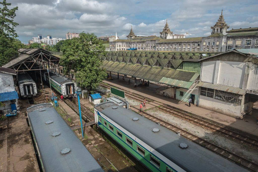 railway-station-yangon-9336