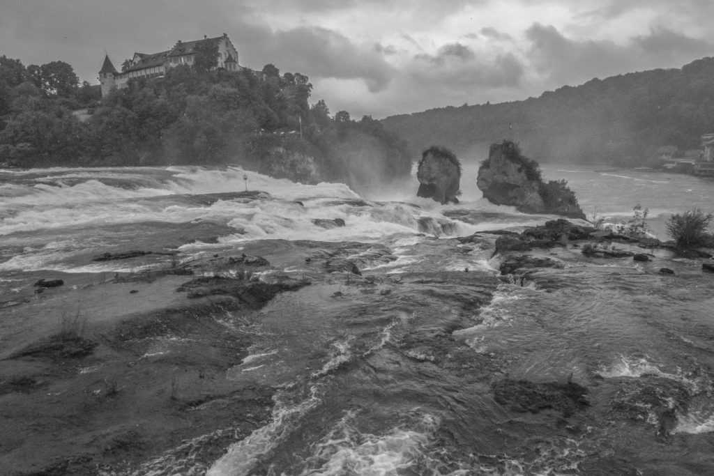 Rheinfall vom Ufer aus