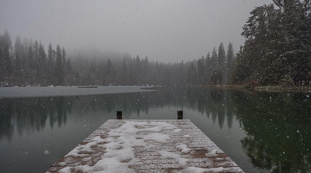 schneefall-crestasee