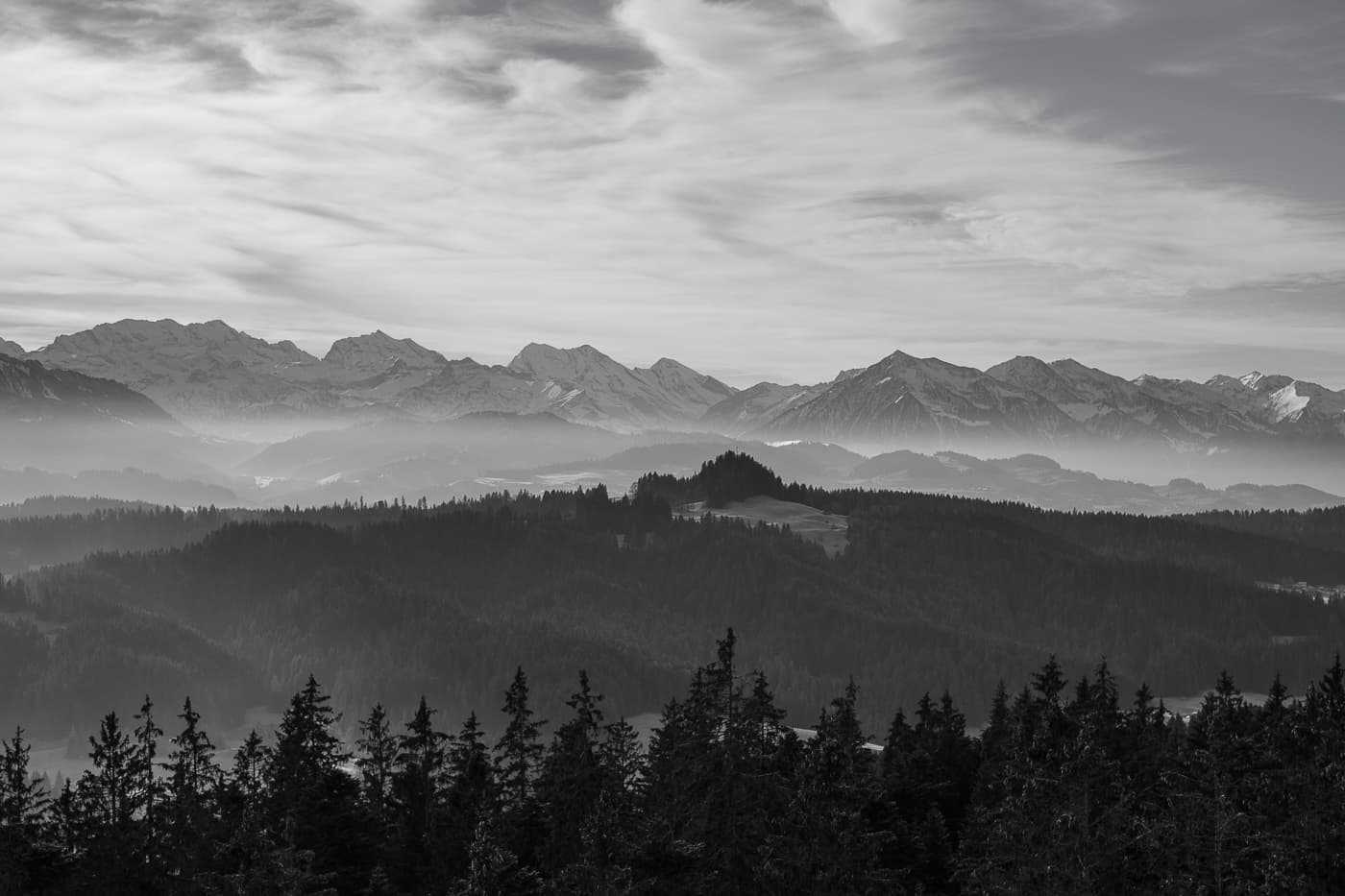 Schwarzweiss Bergpanorama Chuderhuesi