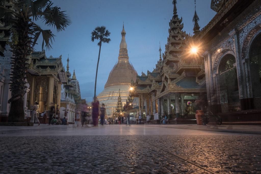 shwedagon pagode yangon myanmar