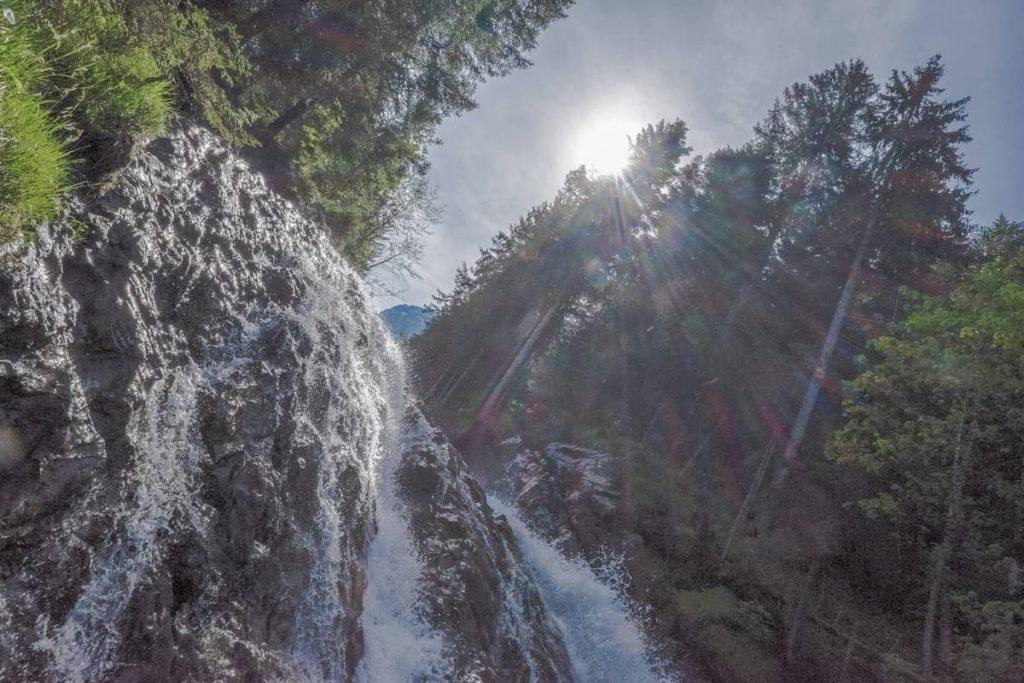 Aufstieg entlang den Simmenfälle