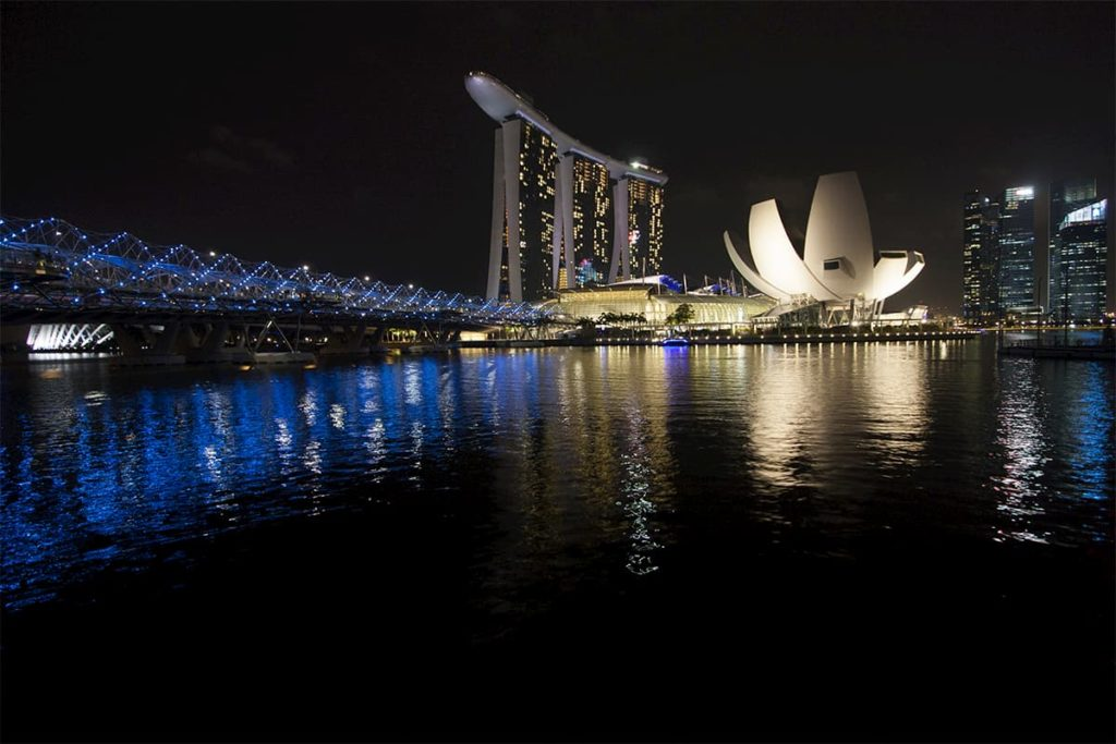 Singapore: Marina Bay Sands & Helix Bridge