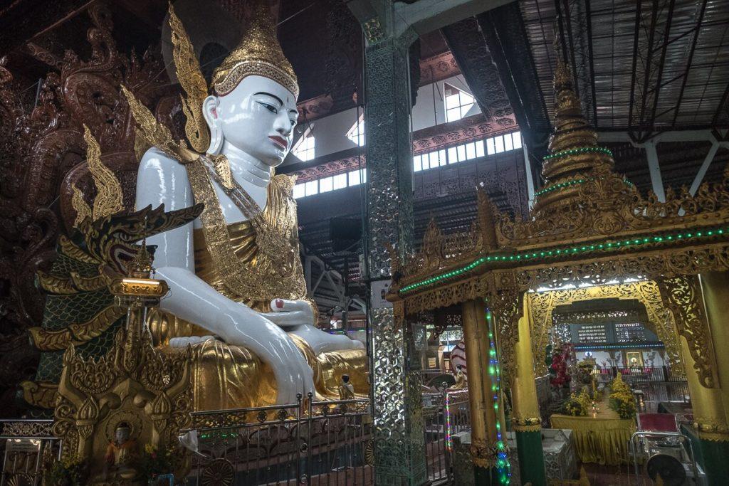 sitting buddha yangon