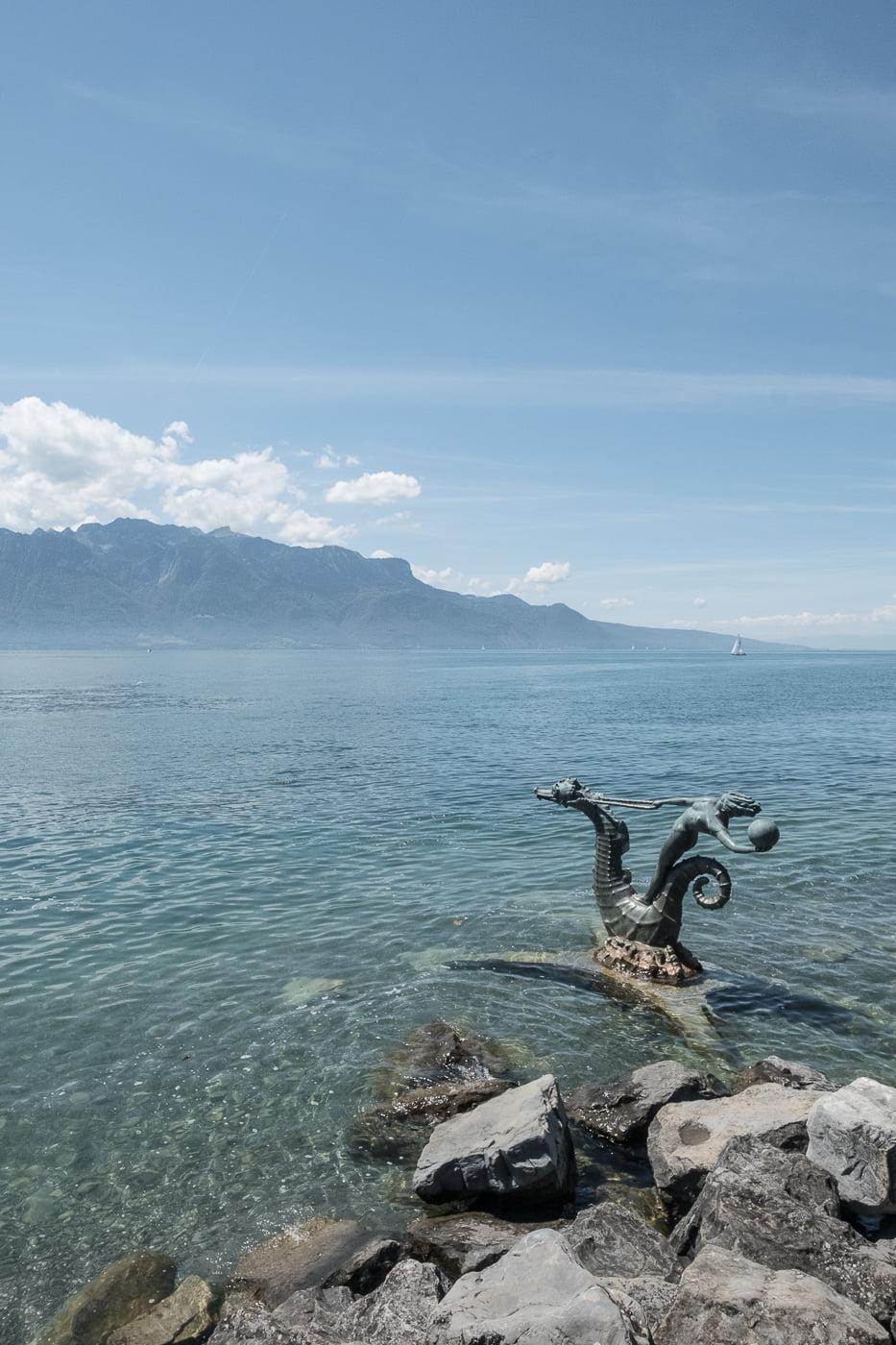 Skulpturen im Genfersee