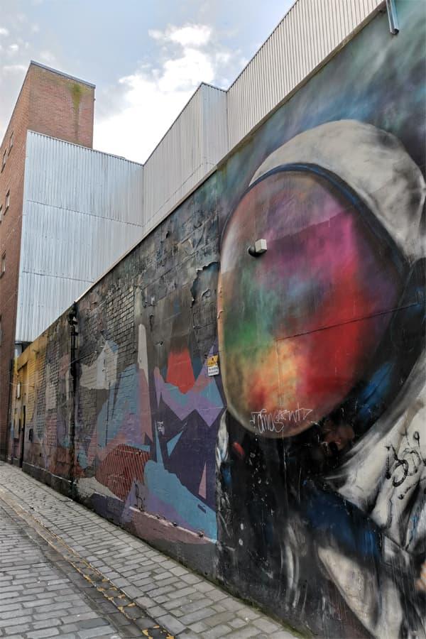 spaceman streetart glasgow