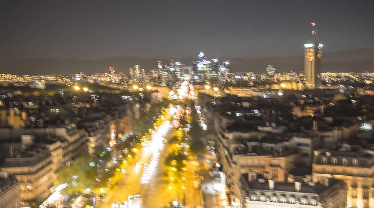 Unscharfe Aussicht aus Paris Arc de Triomphe