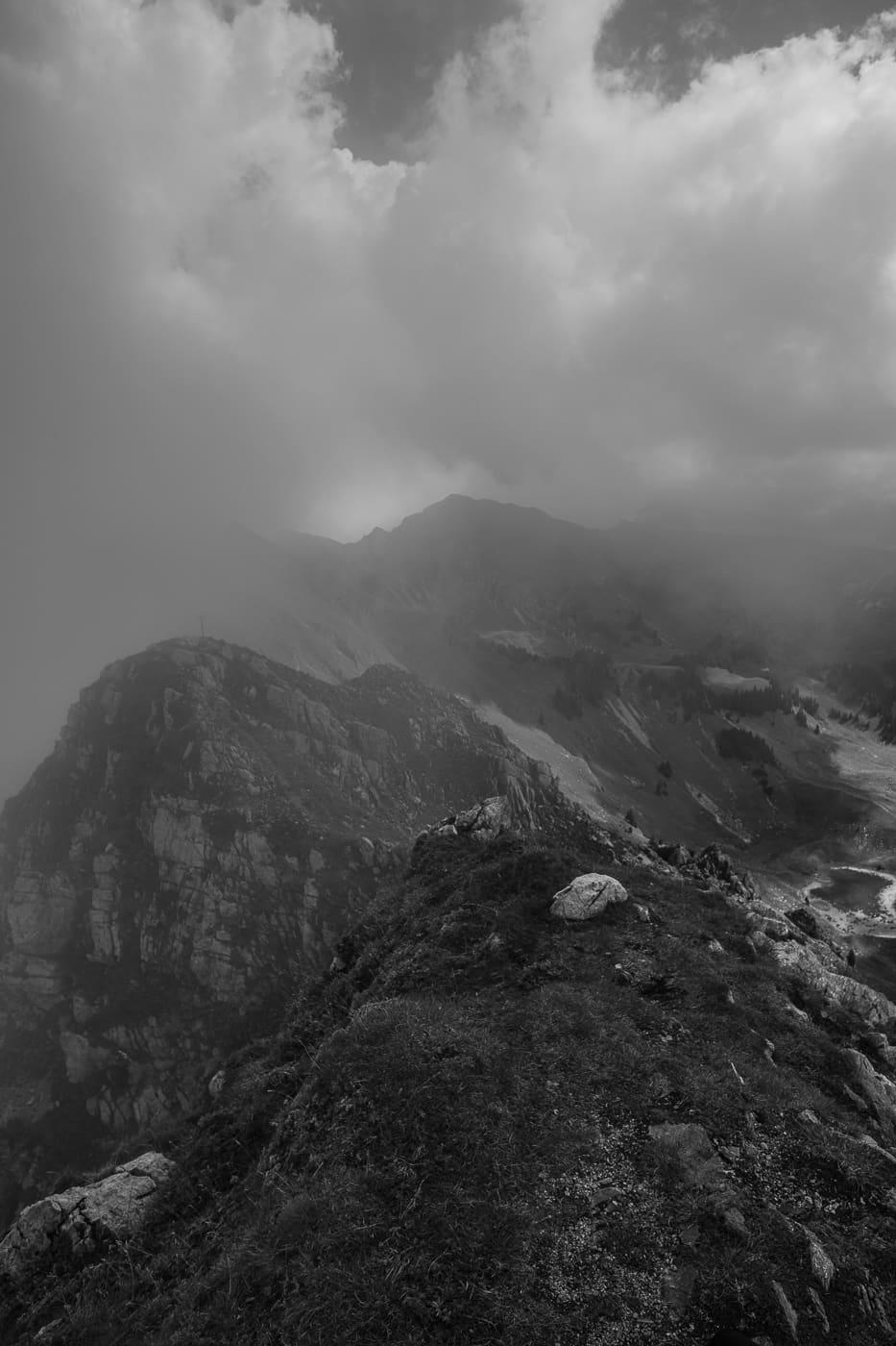 Schwarzweiss Wolken auf der Kaiseregg